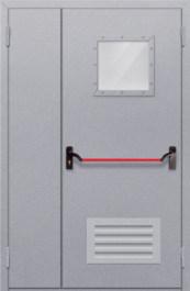 Противопожарная дверь Полуторная глухая с квадрантным стеклом с решеткой и антипаникой